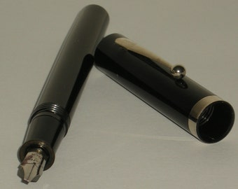Vintage Sheaffer NoNonsense Italic B Broad Fountain Pen