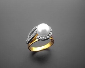 VA021,Diamond Ring,  14k Yellow Gold,  14k White Gold,  Pearl
