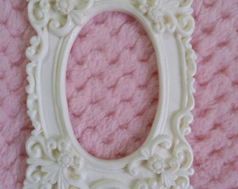 Shabby chic resin frame