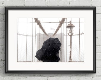Winter romance on the Brooklyn Bridge