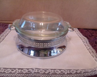 Pyrex Casserole Dish with Metal Stand from the 1930's, (# 68/6)