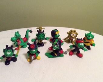 Vintage Set of Ten Astrosniks Green Mcdonalds Happy Meal Toys Hong Kong 1984 Bully Figuren