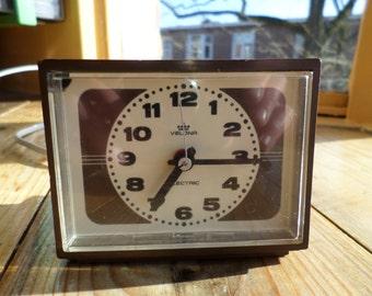 Vintage Velona Electric alarm clock / wecker / réveil / wekker, original 1970s