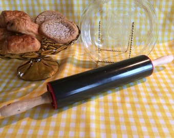 Vintage rolling pin Retro black red plastic kitchen classic pie dough roller tool 1950