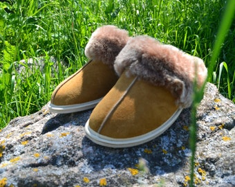 Women's SheepSkin Slippers 100%/Handmade slippers/With Rubber sole.