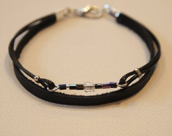 Bracelet black leather and glass beads