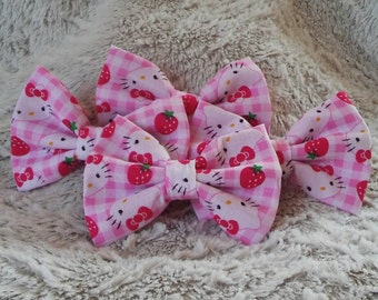 "Pink Hello Kitty 5"" Hair Bows"