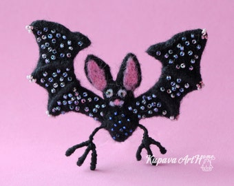 Beautiful felted Cute Bat brooch. Needle felted brooch. Wool felt brooch. Felted jewelry. Gift ideas. Gift for Her