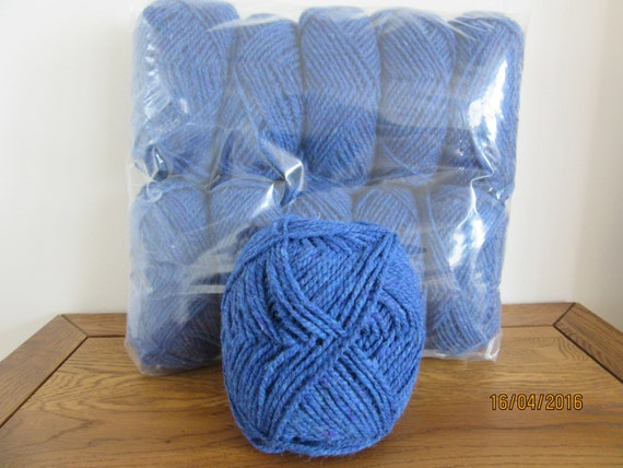Knitting Holidays Scotland : G ball of scottish tweed chunky knitting yarn in shade
