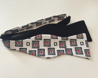 Squares bow tie and pocket square