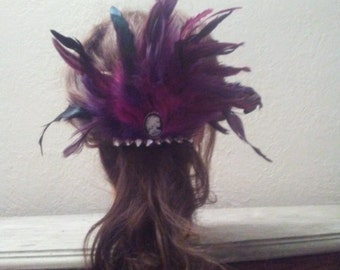 Feather Hair Clip With Cameo