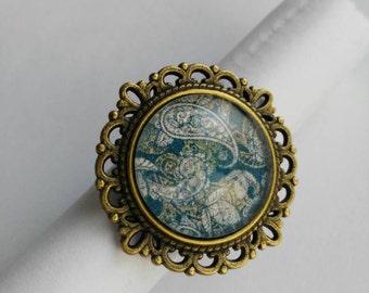 Ethnic ring