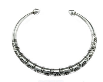 Boho Bracelet // Silver Bracelet  // Hilltribe Bracelet // Handmade Bracelet  // Adjustable Bracelet  // Tribal Bracelet  // Gift for her