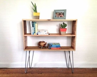 2 shelf console / bookshelf