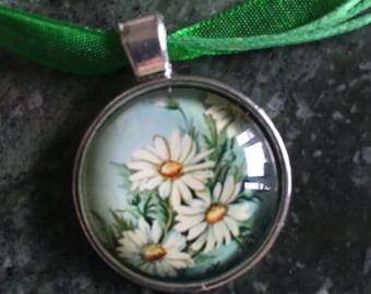 Daisy Cabochon Necklace on Emerald Ribbon