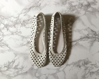 white alabaster leather woven ballet flats / vintage flats / size 8, 8.5
