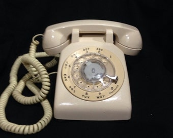 Vintage Rotary Telephone /At&t Western Electric