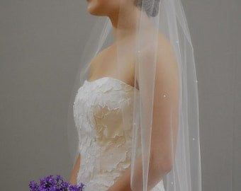 "Pearls Scatted 34"" Hip Length Veil with Cut Edge"