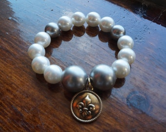 White/Gray Pearl Bracelet with Gold Fleur de Lis Charm