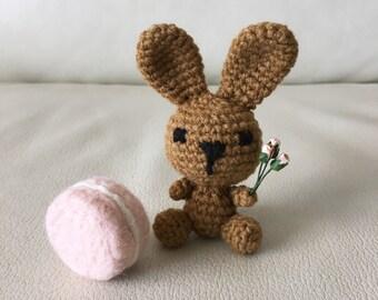 Amigurumi romantic bunny