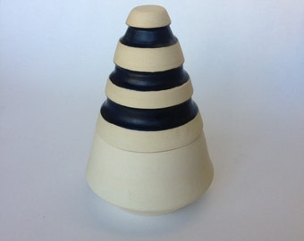 Black and gold pottery box, ceramic lidded box