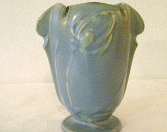 Roseville Pottery  Teasel Vase 882-6 Blue