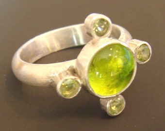 Sterling Silver Ring with Peridot stones and Pale Green Venetian Glass Gem