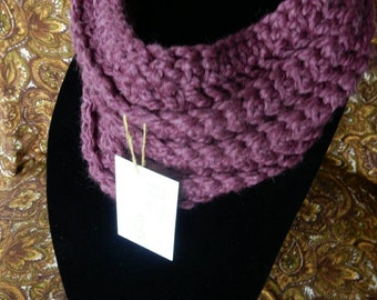 Bulky, cozy cowl scarf  in Fig