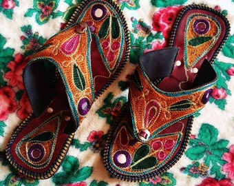 Indian Embroidered Mirrored Brown Leather Boho Thong Sandals UK5.5
