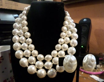 vintage white necklace and earrings