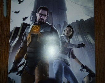 Half-Life 2 Gordon Freeman Alyx Vance City 17 Video Game Display Poster