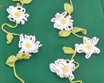 Handmade bunting/garland - daisies