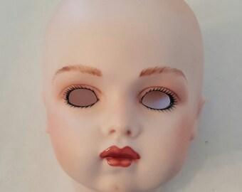Porcelain doll head BRUJ 13 Reproduction