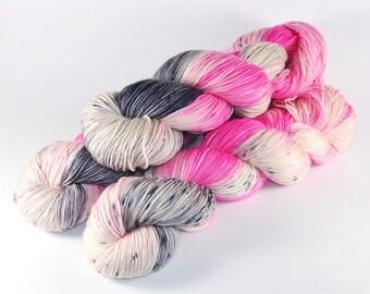 Medea - 100% Merino - 300m/100g - hand dyed