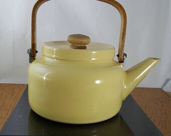 Vintage Yellow Enamel Tea Pot With Wooden Handle ~Rustic Farm Kitchen Decor~Yellow Enamel and Wood Handle Tea Kettle~Gold Tea Kettle