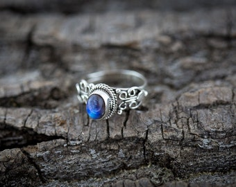 Magical Moonstone and Sterling Silver Ring with Detailed Band - Handmade ring