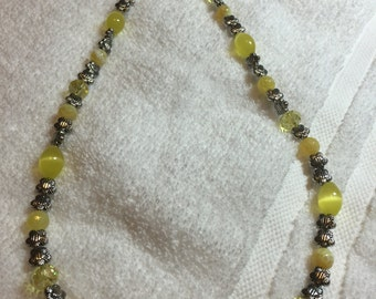 20 inch metal and yellow bead necklace