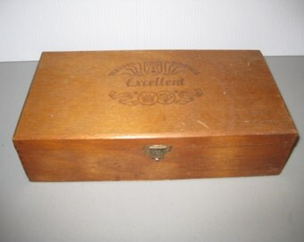 Tabacos superiores Excellent WOOD cigar box