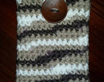 Crochet cell phone case
