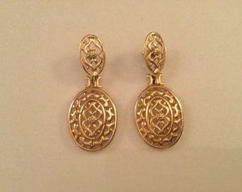Beautiful filigree earrings (pierced)