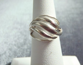 Sterling Silver Adjustable Beau Wavy Ring RR43