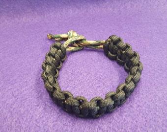 Handmade Paracord Bracelet, Black & Camouflage