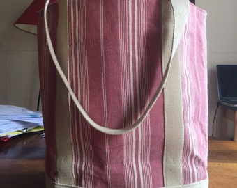 Blue tote bag or striped pink