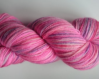 Bizzy Lizzy - hand dyed 100% Blue Faced Leicester Sock Yarn - 100g