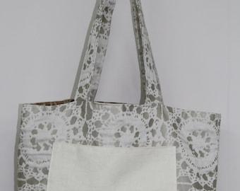 CreamPattern/Bronze Pattern reversible bag.