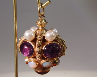 Vintage 18kt. Yellow Gold Charm