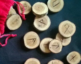 Rune set on Yew pieces for divination (set AC903)