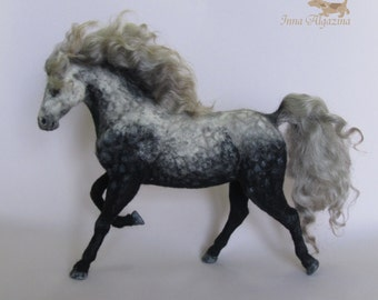 Felted horse Mirage-miniature horse sculpture-Handmade Felt toy- Needle felted horse