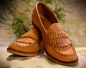 Thom McAn Moccasin Wedged Loafer