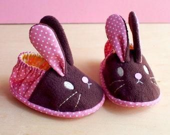Elastic Baby Booties - Chubby Bunny 07